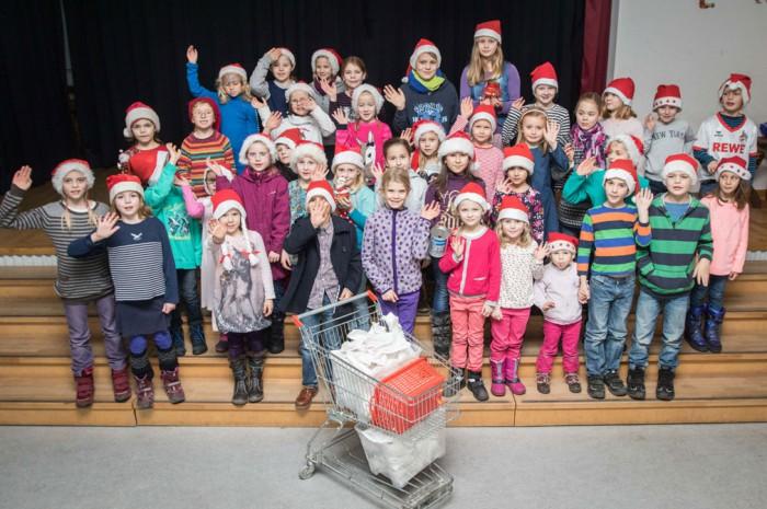 Die Grundschule Grimsehlweg hilft mit einem Kuchenbasar beim Winterfest. Foto: Eberstein