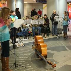 Mit Klarinetten und Trompeten Gutes tun
