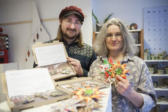Helfen mit kreativen Angeboten: Jan Larkis und Silke Klein vom Atelier two lives.