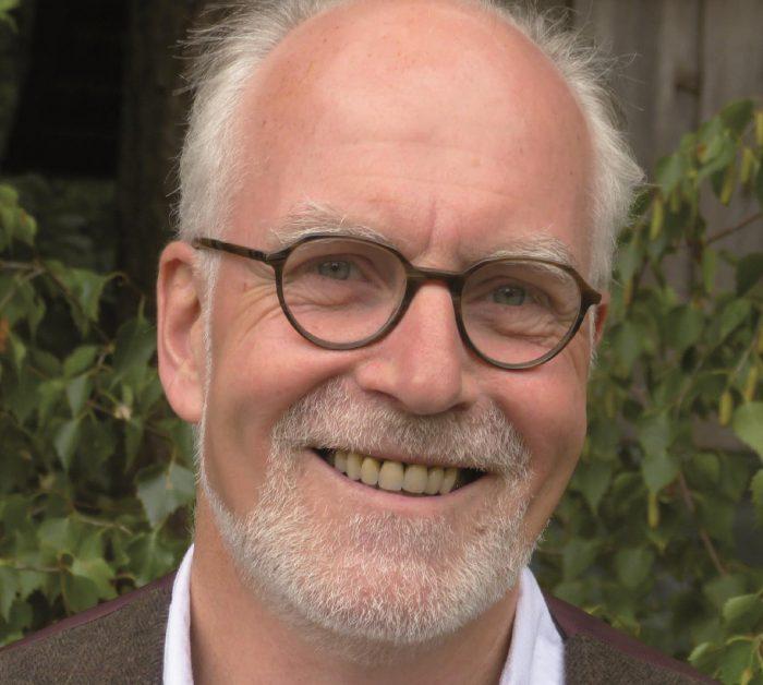 Bert Strebe liest in Hemmingen für die HAZ-Weihnachtshilfe.