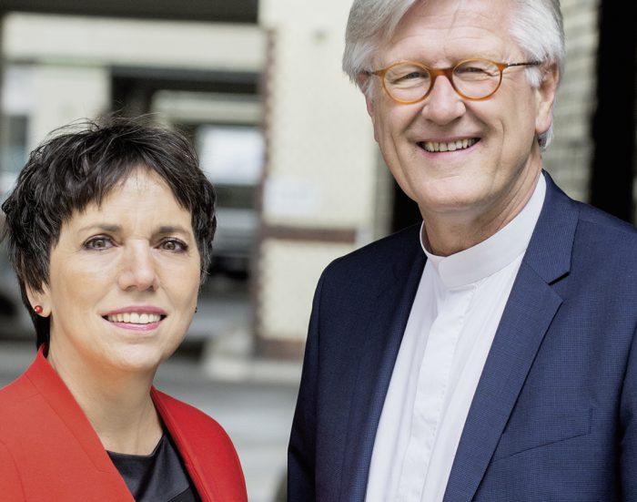 Margot Käßmannm und Heinrich Bedford-Strohm lesen für eine Spende an die HAZ-Weihnachtshilfe.