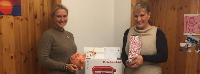 Das Team der Ambulanten Kinderkrankenpflege Hannover gat tolle Preise für ein Tippspiel organisiert.