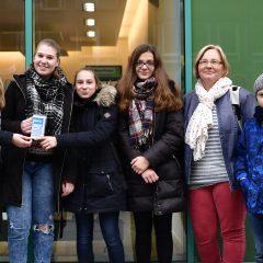 Schüler sammeln bei Basar 1000 Euro