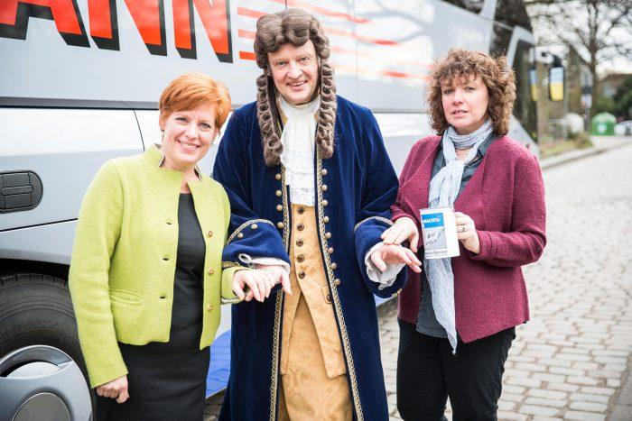 Im vergangenen Jahr half Leibniz bei den Tourenvorstellungen von Elke Siebert und Sigrid Wilckens. Foto: Jan Philipp Eberstein