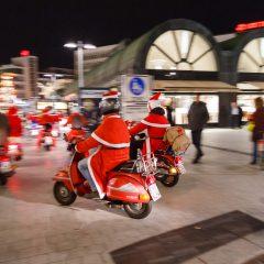Der Nikolaus fährt wieder Vespa