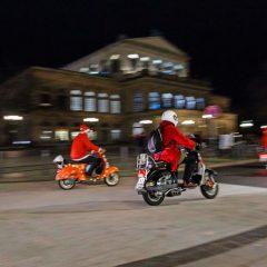 Nikolaus fährt Vespa!