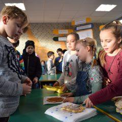 Osterbergschüler spenden für HAZ-Weihnachtshilfe