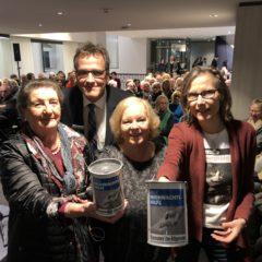 Deutsche Bank engagiert sich mit Kunst und Spendendose