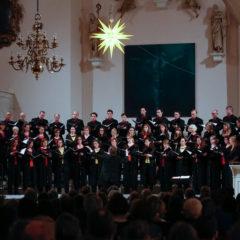 Das Junge Vokalensemble tritt in der Hofkirche auf