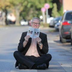 Benefiz-Lesung mit Simon Benne