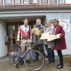 Radsportler transportiert Kinderwünsche nach Himmelpforten