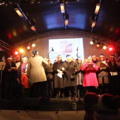 Die Region präsentiert sich singend auf dem Weihnachtsmarkt