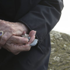 Ein Fall für die Weihnachtshilfe: 94-Jährige soll fünf Jahre auf neues Hörgerät warten