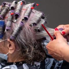 Ein Friseurbetrieb hilft auch in schwierigen Corona-Zeiten