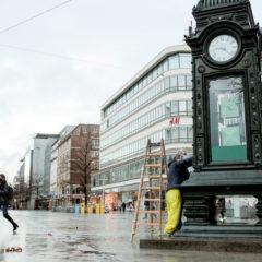 Benefiz-Aktion: Die Kröpcke-Uhr ist Ausstellungsraum für Stadtgeschichte